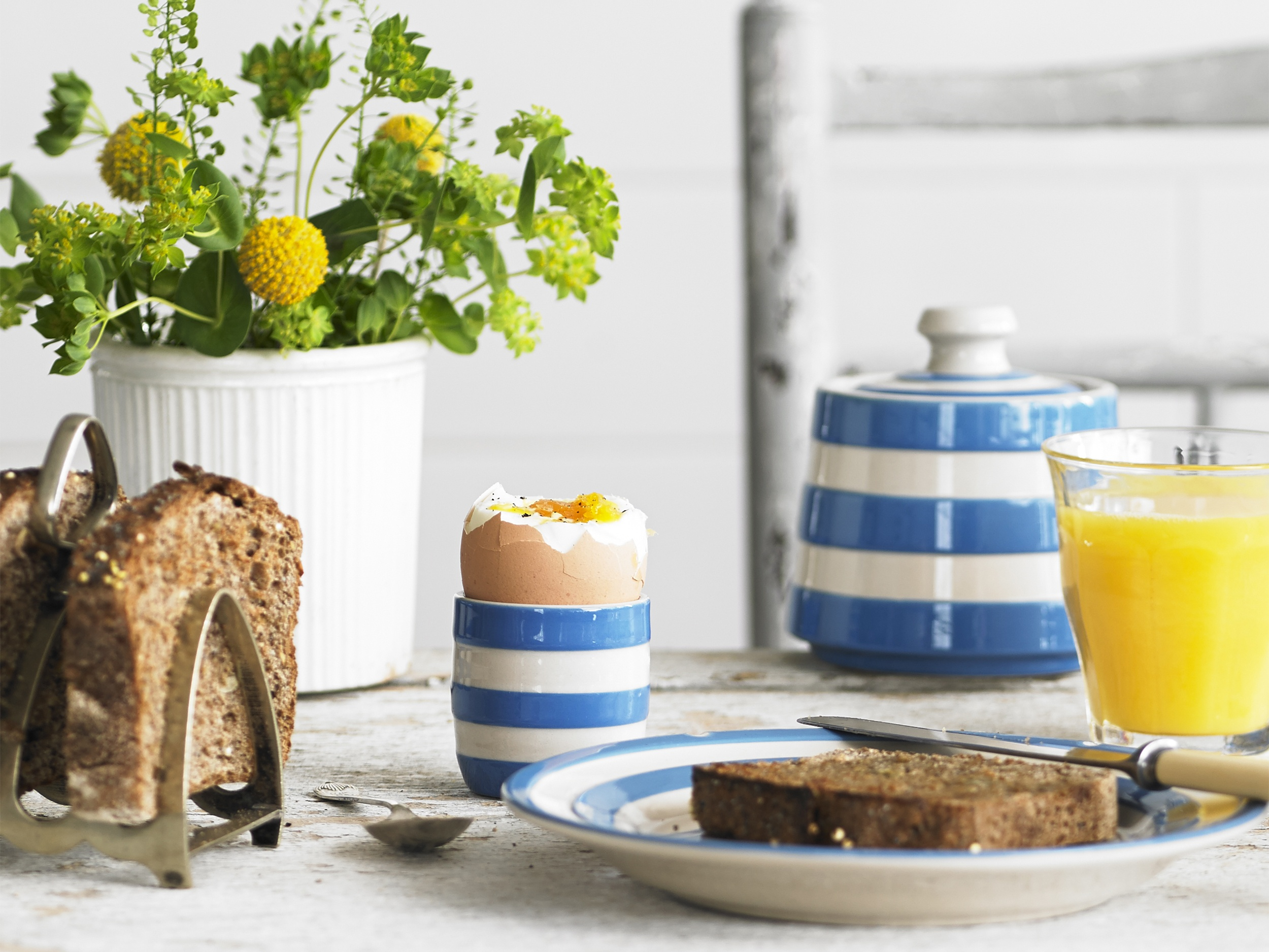 Start your day the Cornishware way!